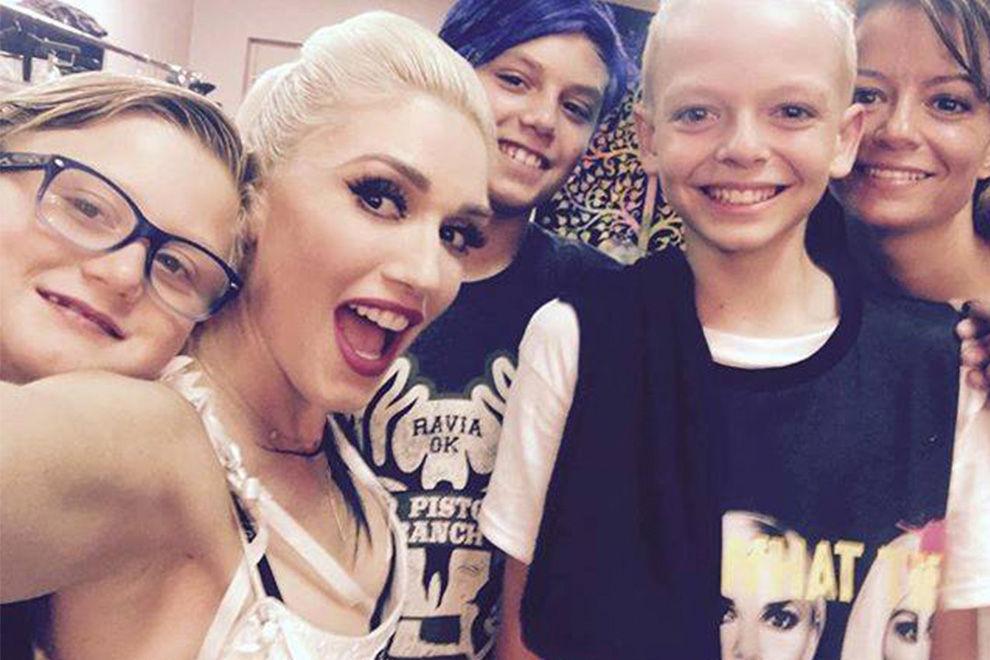 Wie Gwen Stefani das Leben dieses gemobbten Jungen verändert ist einfach unglaublich