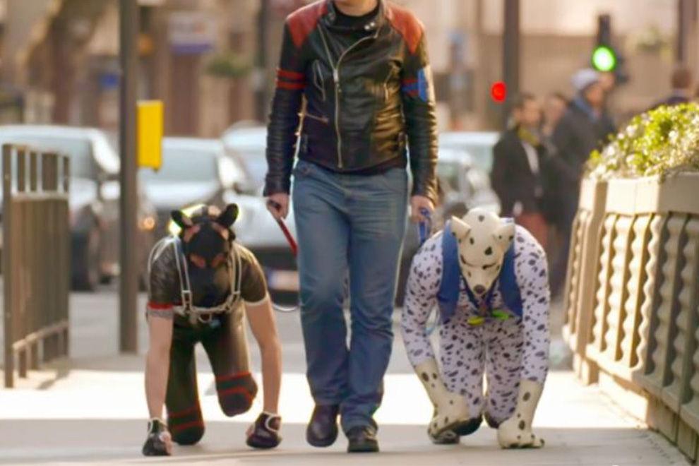 Das sind die Männer, die als Hunde leben