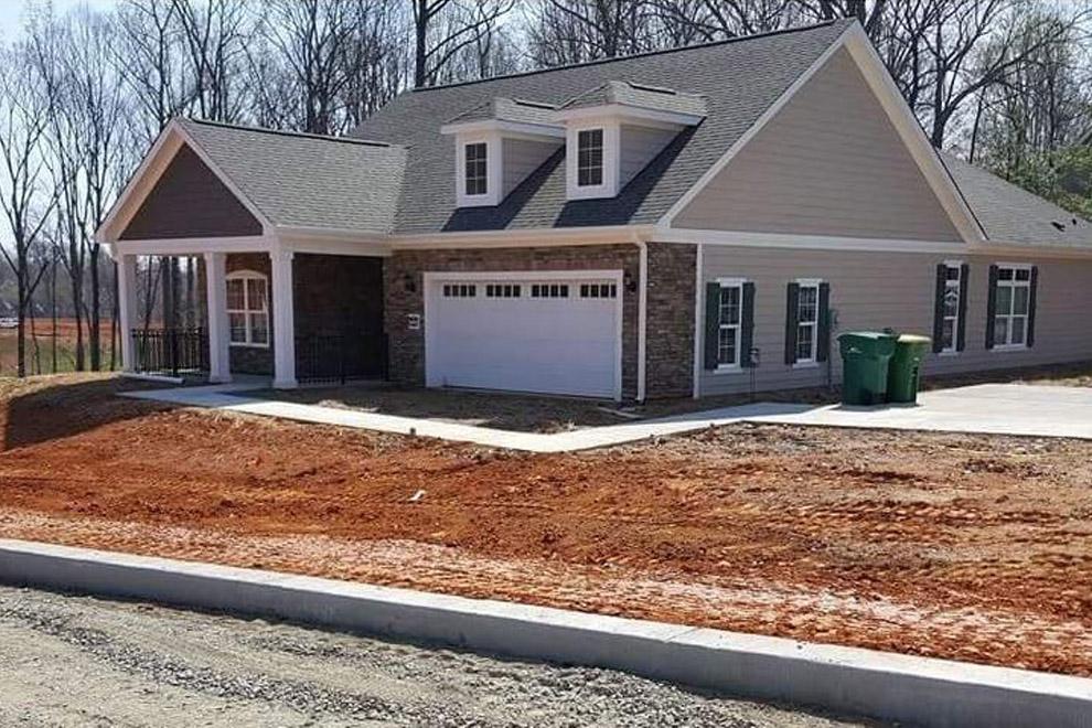 Ein Mann postet ein Foto von seinem Haus – findet ihr den Fehler?