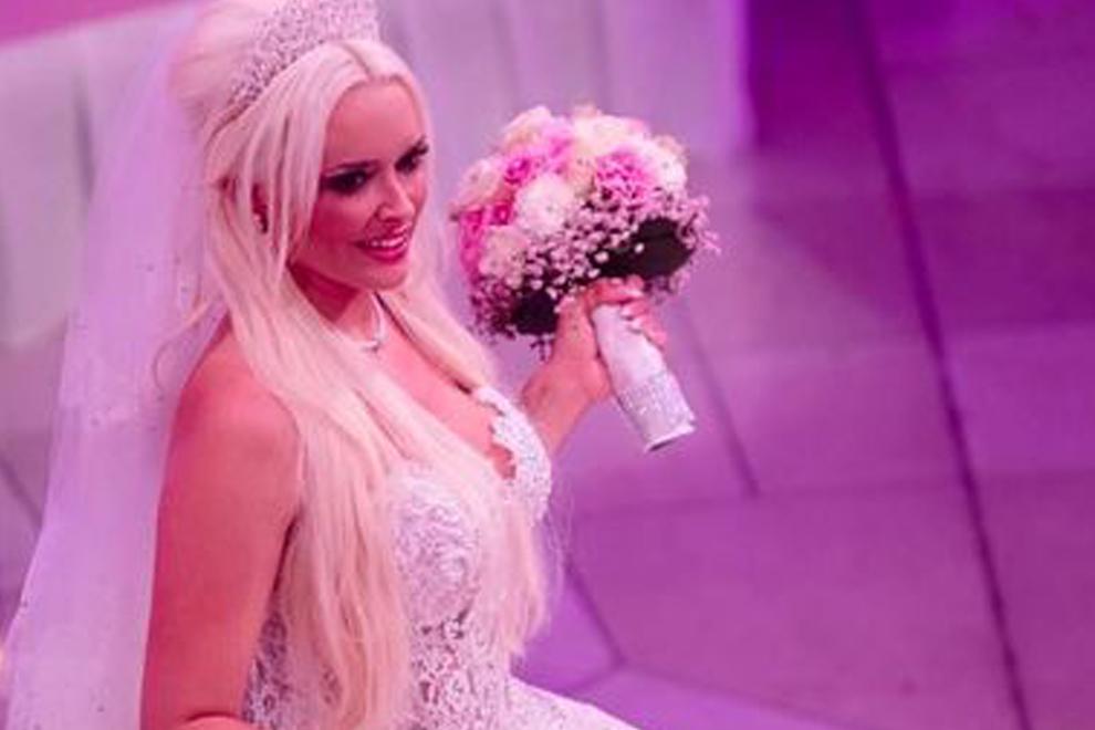 Daniela Katzenberger versteigert ihr Brautkleid
