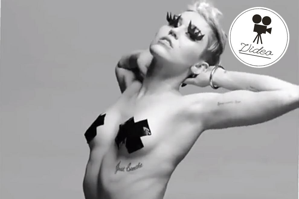 Miley Cyrus zieht vor der Kamera alle Register