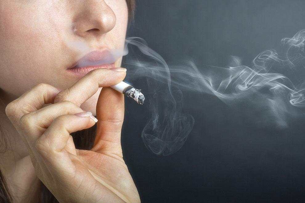 Tägliches Rauchen macht dicker