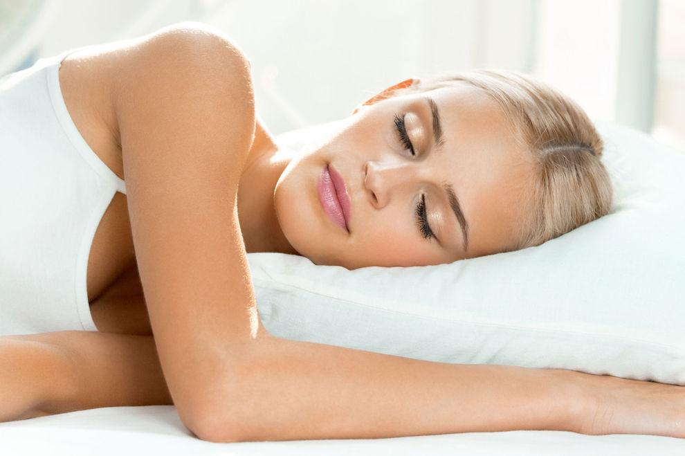 Diese 4 Lebensmittel helfen beim Einschlafen