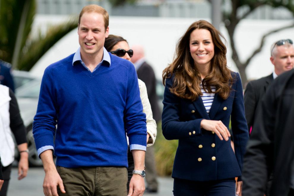 Die ersten Royal-Fans warten bereits vor dem Krankenhaus