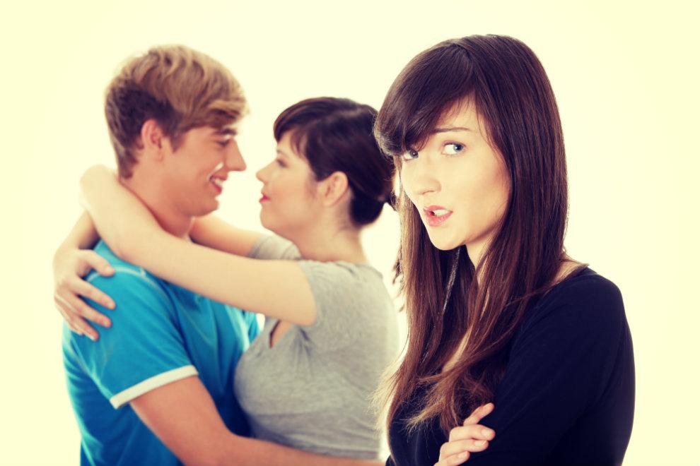 10 Dinge, die sich Singles von befreundeten Pärchen anhören müssen