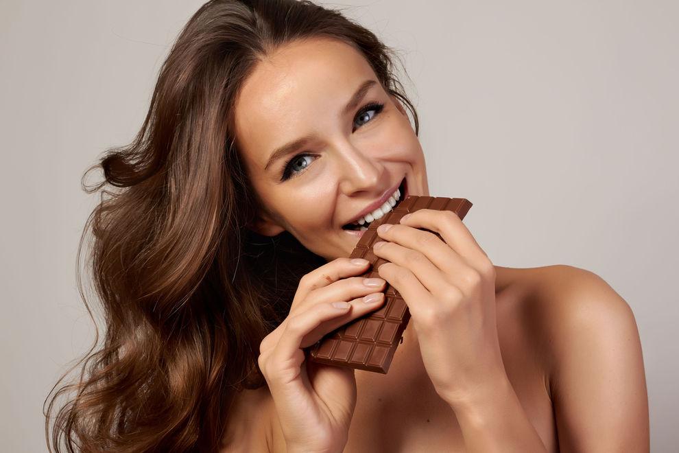 5 Gründe, warum du JETZT mehr Schokolade essen solltest