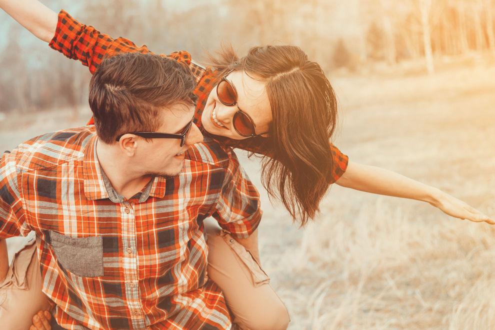 9 Anzeichen, dass dein bester Freund auf dich steht