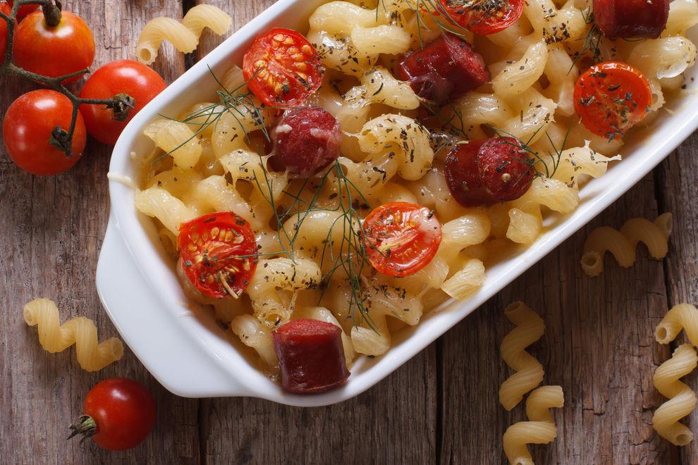 Nudelauflauf mit Tomaten und Feta