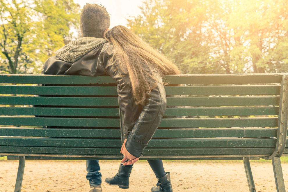 11 Anzeichen, dass du wortwörtlich süchtig nach deinem Partner bist
