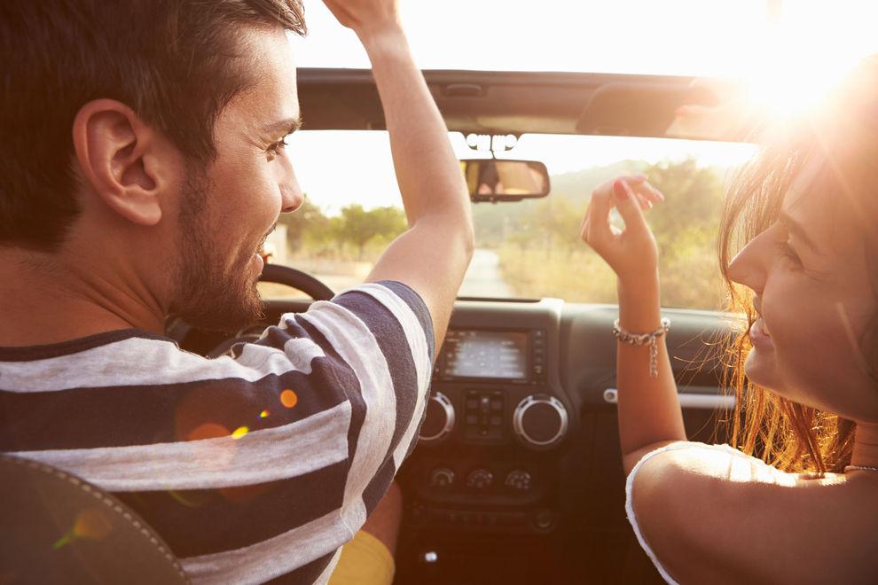 Die 4 besten Stellungen für das Liebesspiel hinterm Steuer