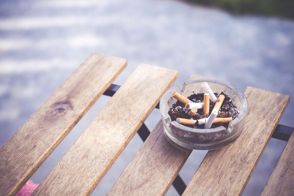 Raucher haben ein erhöhtes Risiko für Zahnverlust