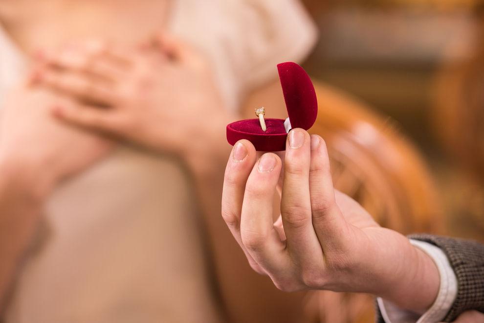 Das ist womöglich das schlimmste Verlobungsfoto aller Zeiten