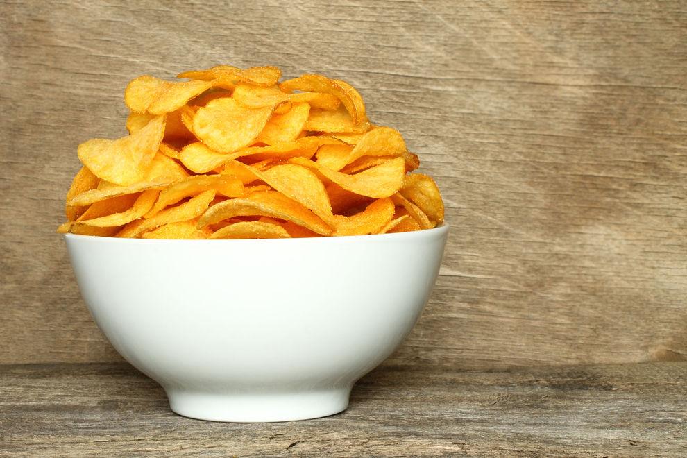 Darum solltest du Chips in eine kleine Schale füllen