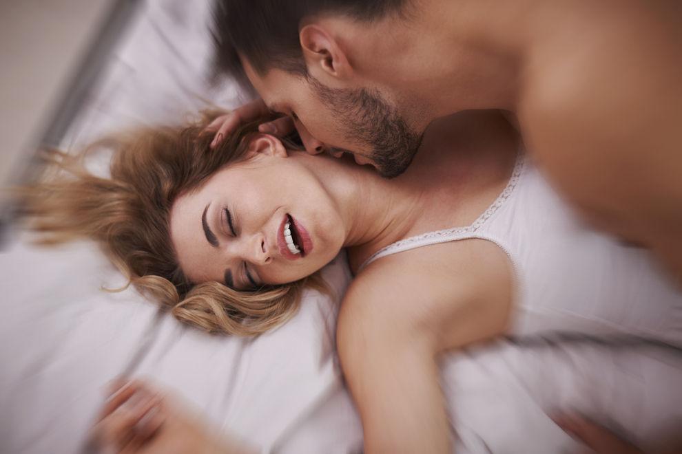So merkt dein Partner, dass du den Orgasmus vortäuscht