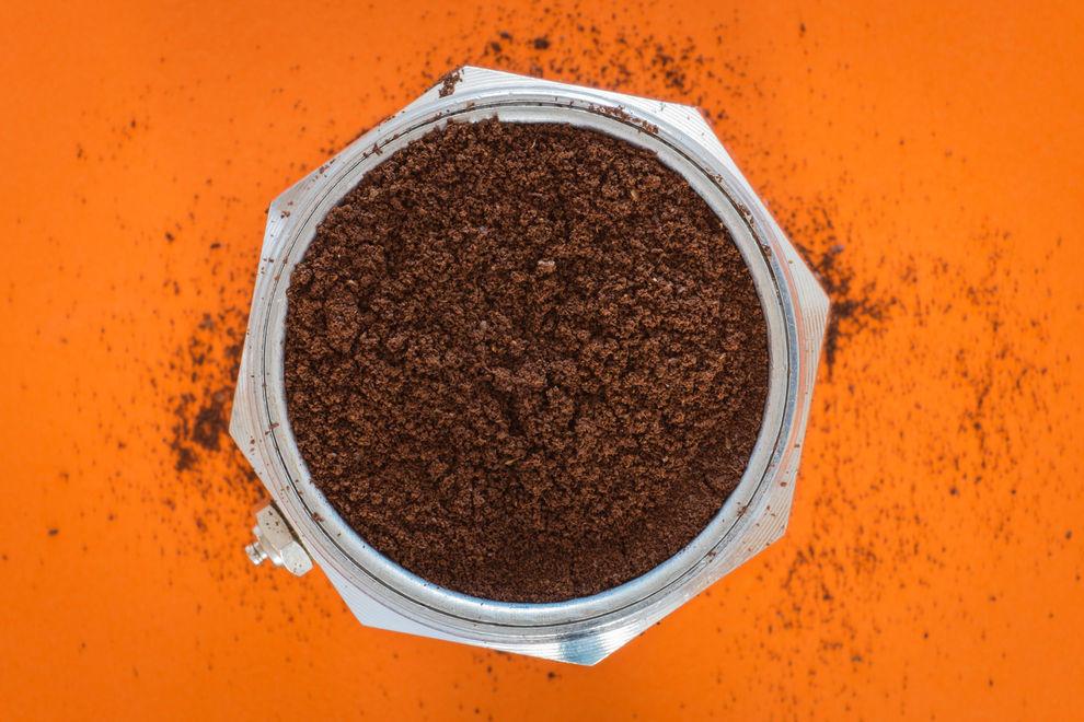 Für diese 5 genialen Dinge kann man Kaffeesatz verwenden