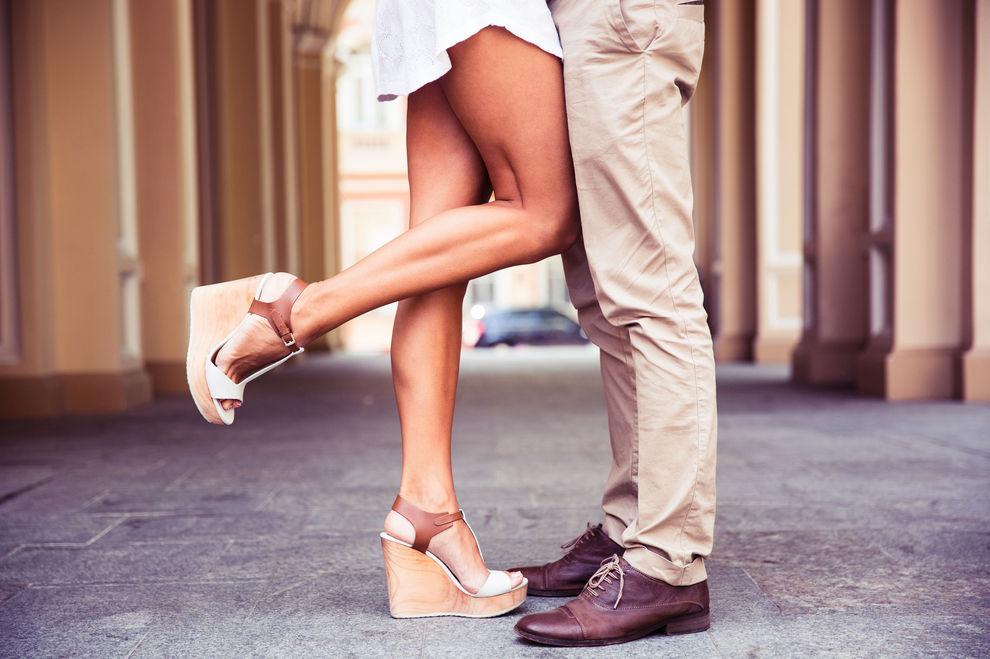 Die 7 schlimmsten Kleidungsstücke, die ein Mann beim 1. Date tragen kann