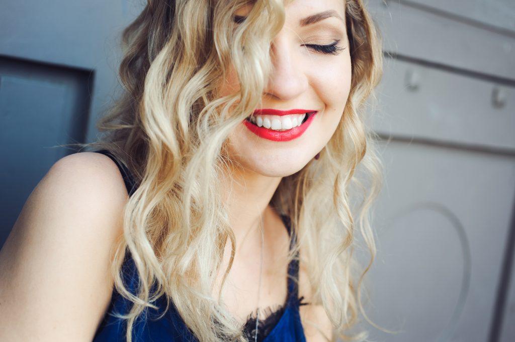 6 Dinge, die dich laut Wissenschaft sofort attraktiver machen