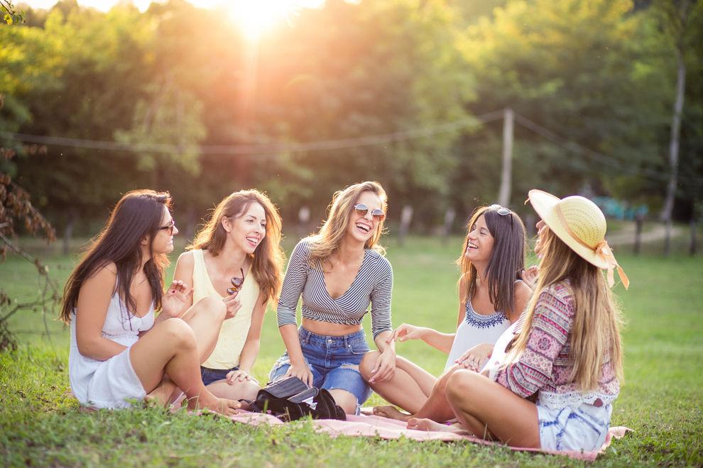 Diese Dinge brauchst du für den perfekten Picknick-Ausflug mit den BFFs