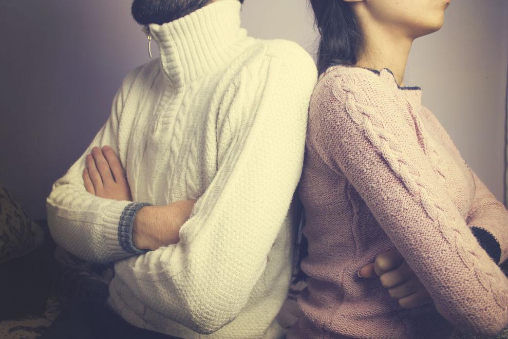 Diese 5 Dinge solltest du tun, wenn es in deiner Beziehung zu kriseln beginnt