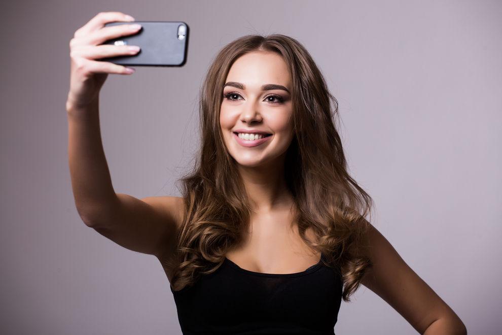 Darum machen uns Selfies alt & hässlich