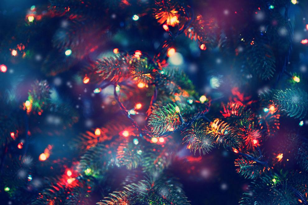 Warum diesen Winter alle einen schwebenden Weihnachtsbaum wollen