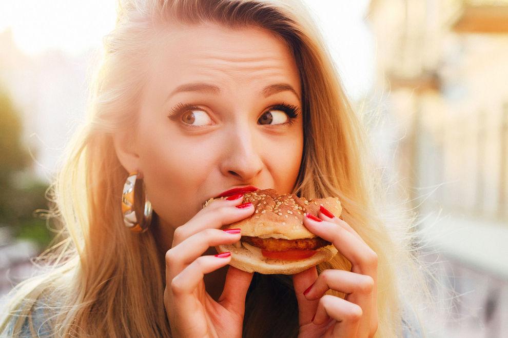 Diese 5 Lebensmittel verursachen üblen Körpergeruch