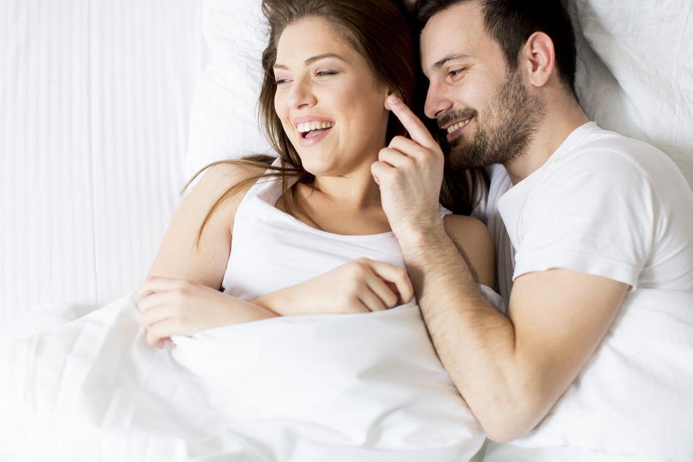 Die 3 besten Stellungen, wenn du kleiner als dein Partner bist