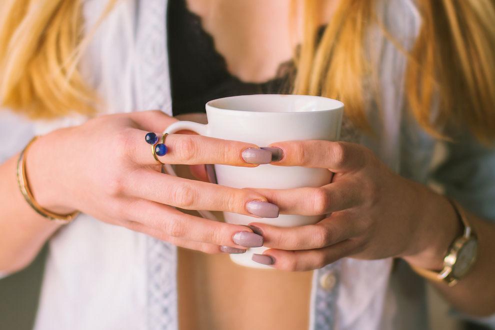 Kaffee lässt die Brüste schrumpfen