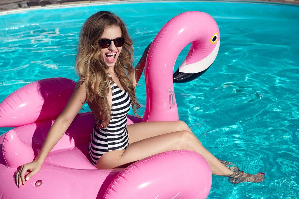 Bei Hofer gibt's jetzt aufblasbare Flamingos