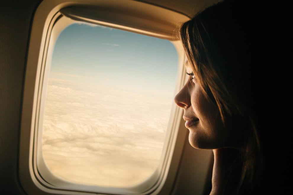 Darum haben viele Flugzeugfenster kleine Löcher