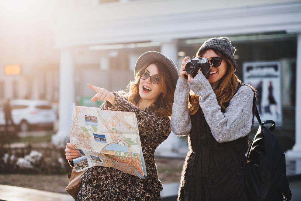Die coolsten Destinationen für Kurzurlaub mit deiner BFF im Herbst