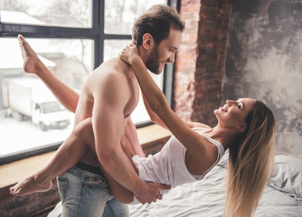 5 verrückte Sex-Positionen, die wieder Schwung in deine Beziehung bringen