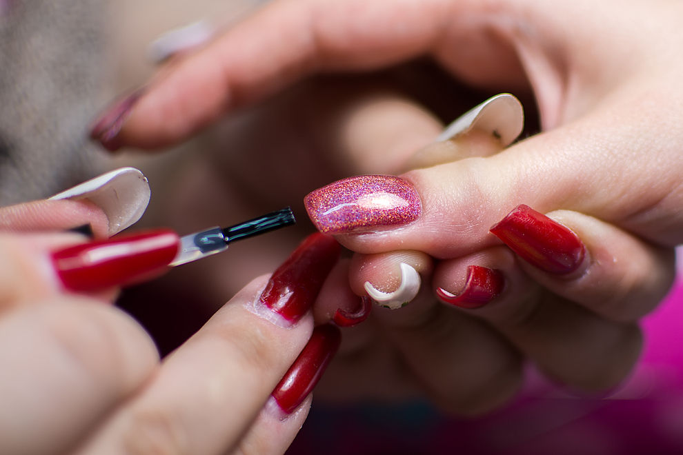 So sehen Nägel nach sechs Jahren Gel-Maniküre aus