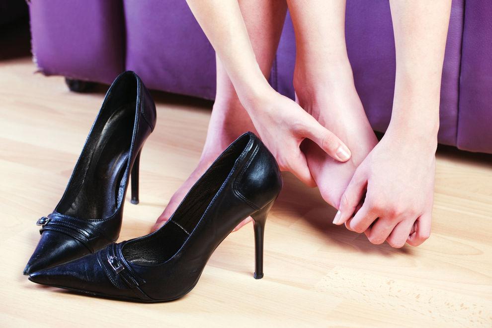 So weitet man neue Schuhe über Nacht