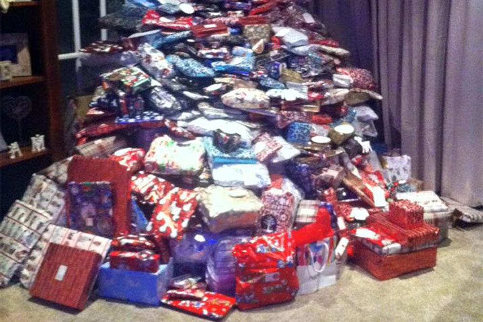 Geschenke Weihnachten Frau.Diese Frau Hat 300 Geschenke Für Ihre Kinder Besorgt