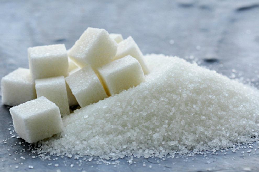 So viel Zucker darfst du täglich zu dir nehmen