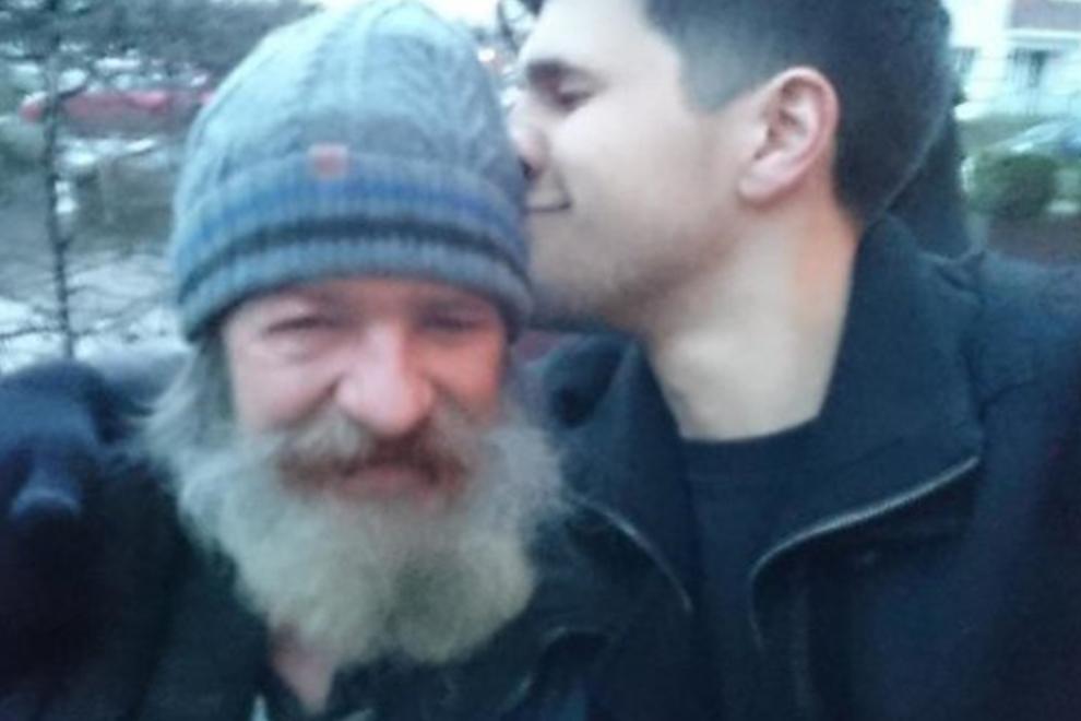 Sohn findet via Twitter seinen obdachlosen Vater wieder