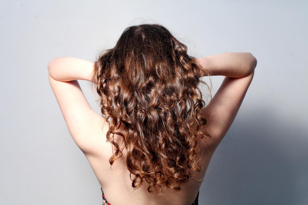 Diese Frau hat sich noch nie ihre Haare geschnitten