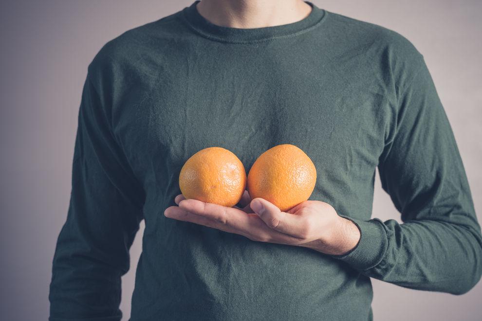 Was Männer wirklich über kleine Brüste denken