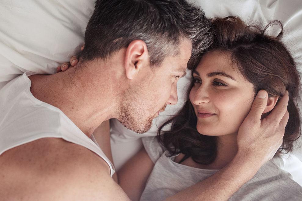 Frisch verliebt: So oft in der Woche solltest du bei deinem Partner übernachten