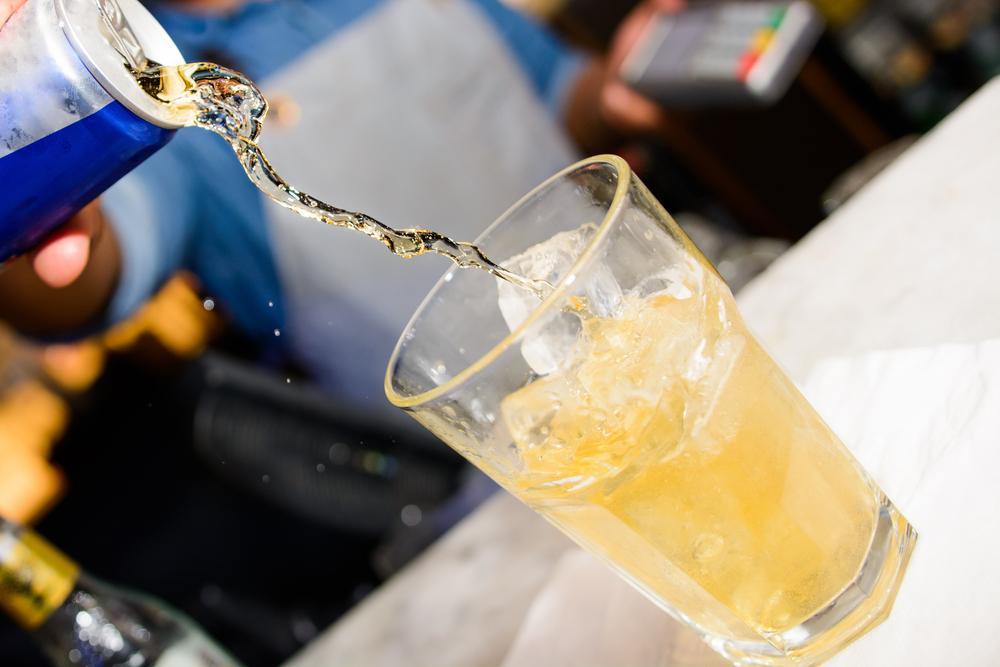 Wie gefährlich Energy Drinks für Jugendliche wirklich sind