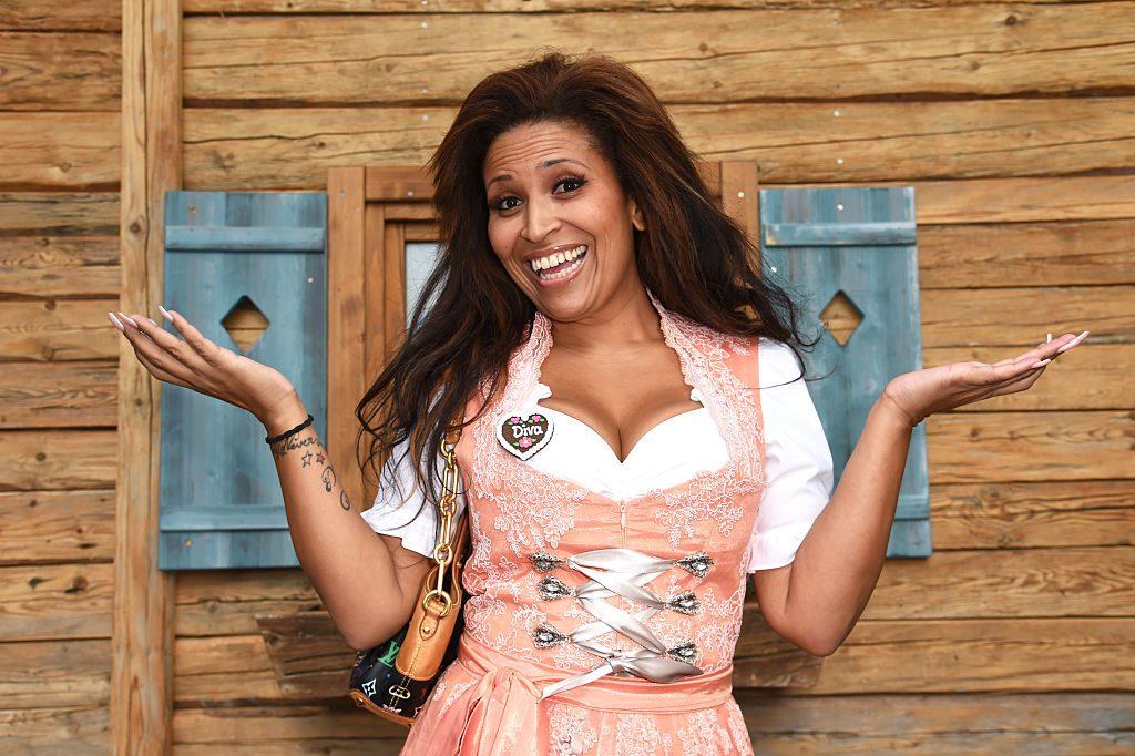 Patricia Blanco kriegt neue Brustwarzen aus ihren Schamlippen