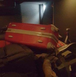 Im Gepäckraum eingesperrt