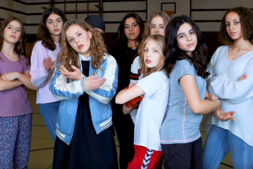 Schülerinnen bringen einen Anti-GNTM-Song heraus – und er ist ZU GUT