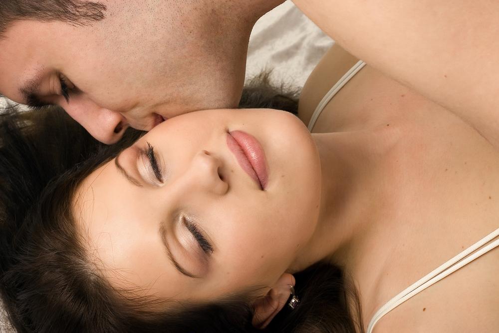 Das heißt es, wenn er dich nicht küsst, während ihr miteinander schlaft