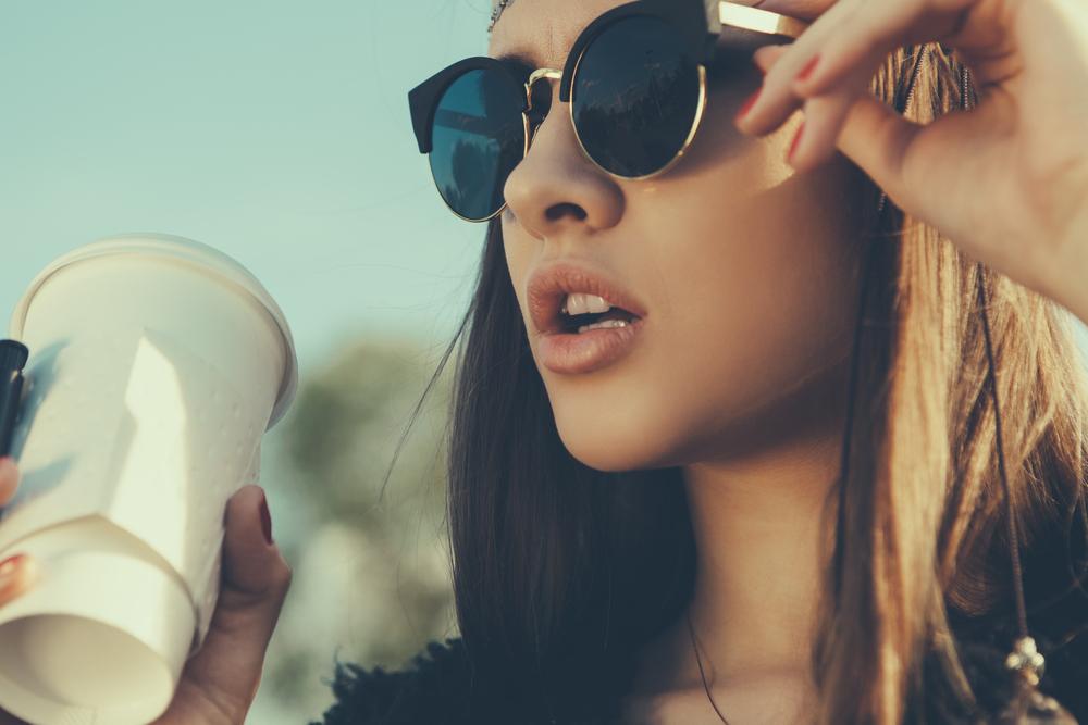 Warum alle scharf auf diese Sonnenbrille sind & wie du sie geschenkt bekommst