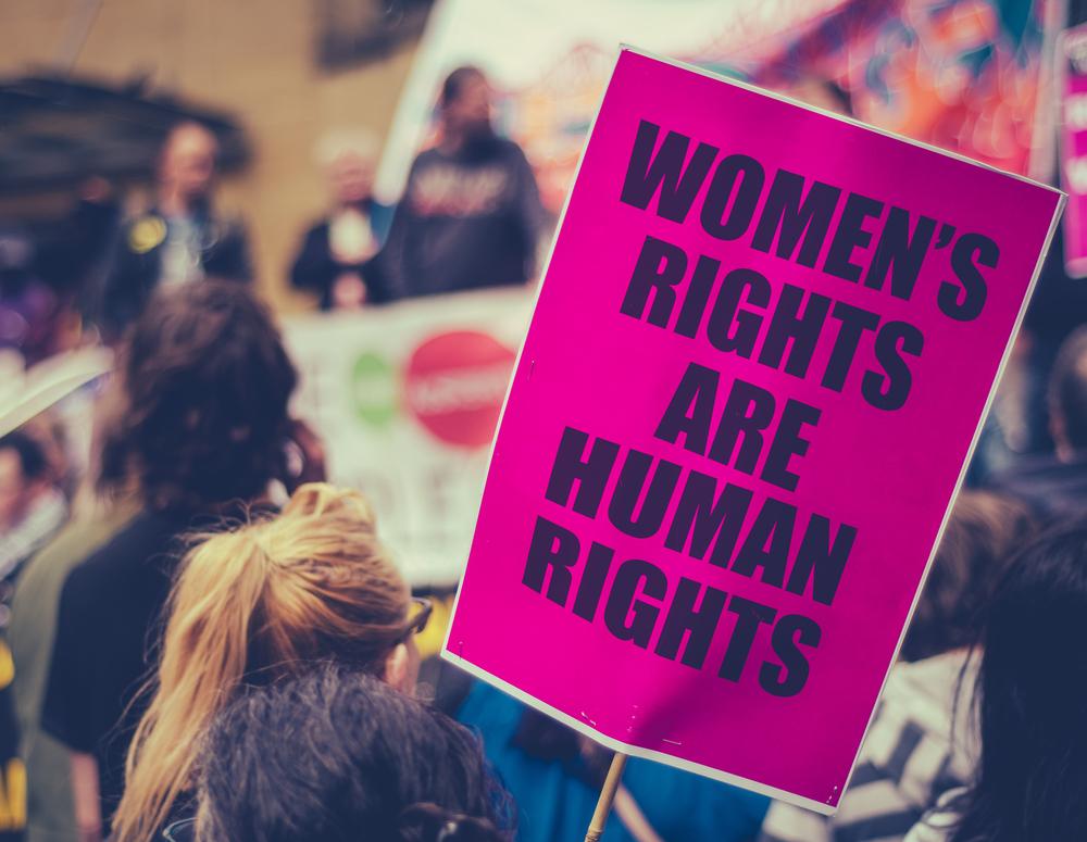 5 Gründe, wieso wir jetzt alle sofort das Frauenvolksbegehren unterschreiben sollten