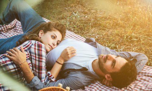 7 Anzeichen, dass dich dein Freund belügt
