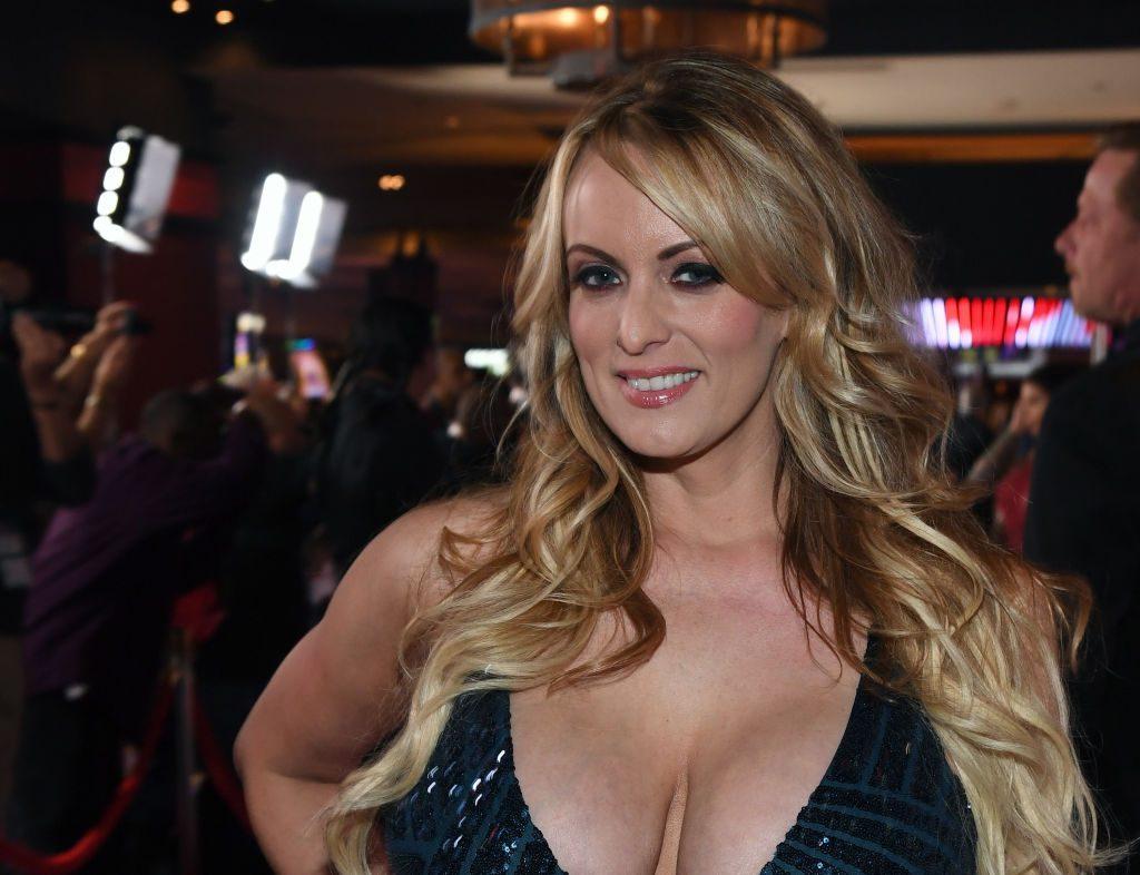 Stormy Daniels aka Stephanie Clifford: Pornostar verklagt Donald Trump