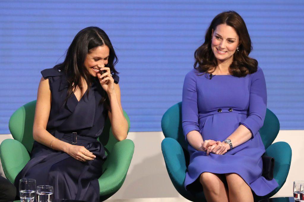 """Meghan Markle und Herzogin Kate: Meghans Kleid soll ich Vergleich zu Kates """"zu freizügig"""" gewesen sein"""